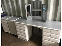 White glittery dressing table with mirror