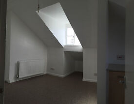 1 bedroom flat is available now, 5min walk to West Ealing Station, close to Local shops