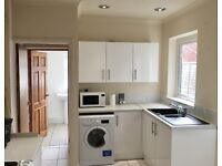DOUBLE ROOM - NEWLY REFURBISHED - ALL BILLS INCL