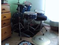 SONOR FORCE 2001 BLUE KIT WITH SOLAR CYMBALS, STOOL AND STANDS (BARGAIN)