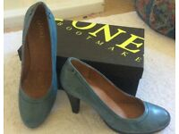 Ladies shoes, BNIB, Jones boot makers, turquoise