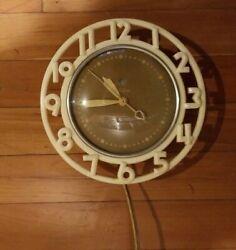 Vintage Retro Mid Century TELECHRON Electric Wall Clock Model 2H21