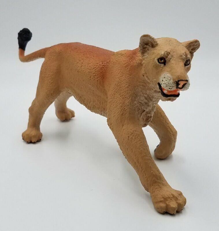 Vanishing Wild Lion Female Safari Ltd Animal Educational Toy Figure