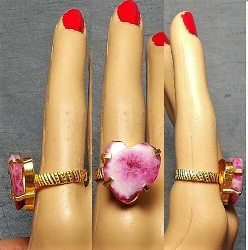 1 Carved PINK Druzy HEART Ring Set in Gold Plated Ribbed Band Ring Size 8 OOAK