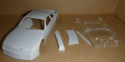 A57C300 1957 CHRYSLER 300 PRE PREPAINTED CHASSIS  Model Car Mountain 1//25