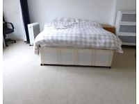 SUPER SPACIOUS SPLIT LEVEL 4 BEDROOM FLAT NEAR ZONE 2 NIGHT TUBE, 24 HOUR BUSES & HIGH ROAD SHOPS