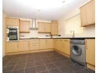 4 bedroom flat in Moray Road, Finsbury Park