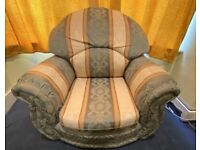 Excellent condition clean and smoke free Sofa set