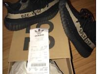 Black and green YEEZY size 7