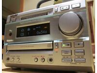 SONY CD PLAYER MINI DISC PLAYER AMPLIFIER AM/FM TUNER
