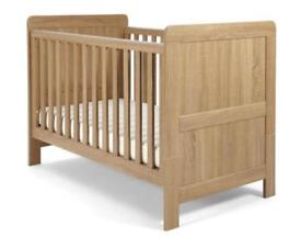 Mamma and Pappas baby cot