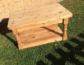 SUPER CHUNKY SOLID PINE COFFEE / TEA TABLE