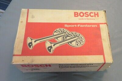 Set of NOS 1969-73 Porsche 911 912 Red Bosch Banjo Horns in Original Packaging