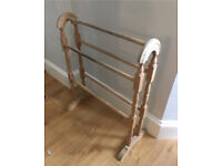 Wooden towel rail