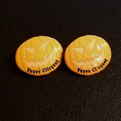 Halloween Getranke (Pin, 2 Stück, Veuve Clicqout, Halloween-Style)