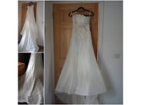 New Ivory wedding dress uk8 us6, never been worn still has tags on, Designer Knightly