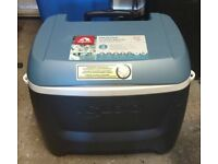 Igloo MaxCold Island Breeze 62 Quart 58L Rolling Cool Box Ice Cooler excellent condition cost £100.