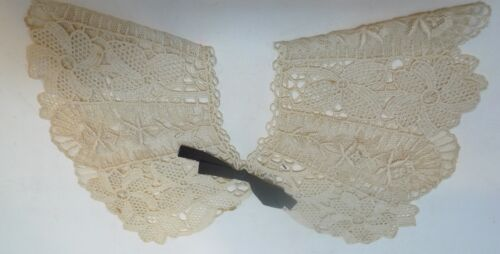 "Vintage Hand Made Lace Collar 11"" Wide 6"" Tip"