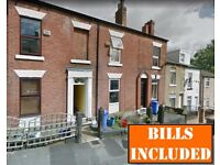 3-bed STUDENT HOUSE in ideal location, close to all local shops and easy access to Uni. BILLS INC!