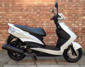 Yamaha Cygnus 125 (REG 15) White, One owner, Good condition, only 1400 miles!