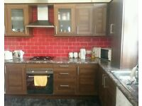 3 BEDROOM HOUSE IN A NICE PRIVATE AREA - BENEFITS/DSS ONLY - PRIVATE LET - NO FEES