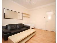 3 bedroom flat in Victorian Grove, Stoke Newington