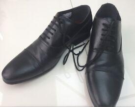 Mens size 7 black Shoes