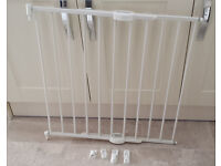 Lindam baby stair gate, variable width from about 60cm to about 95cm