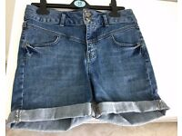 NEW Blue-Wash Denim Shorts Sz 10