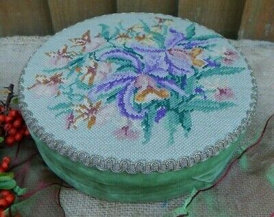 VINTAGE PRETTY FRENCH FLORAL IRIS HAND STITCH TAPESTRY TOPPED VELVET SEWING BOX