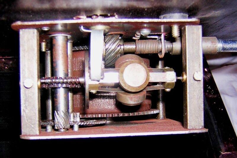 Gramophone Player 78rpm Round Phonograph Brass Horn HMV Vintage Wind up