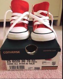 Red Hightop Converse toddler size 4