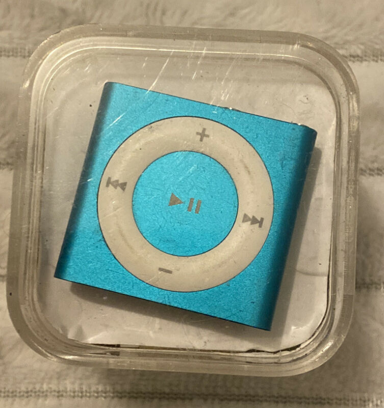 Apple iPod Shuffle 4th Generation Aqua Model A1373(2 GB) EUC Missing Power Cable