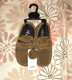 M&S boys shoes size 8