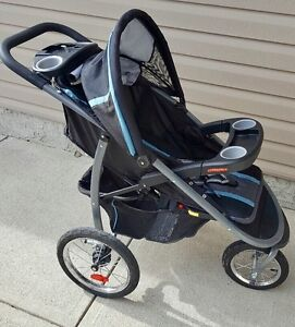 Graco Click n' Connect Stroller with Bucket Seat