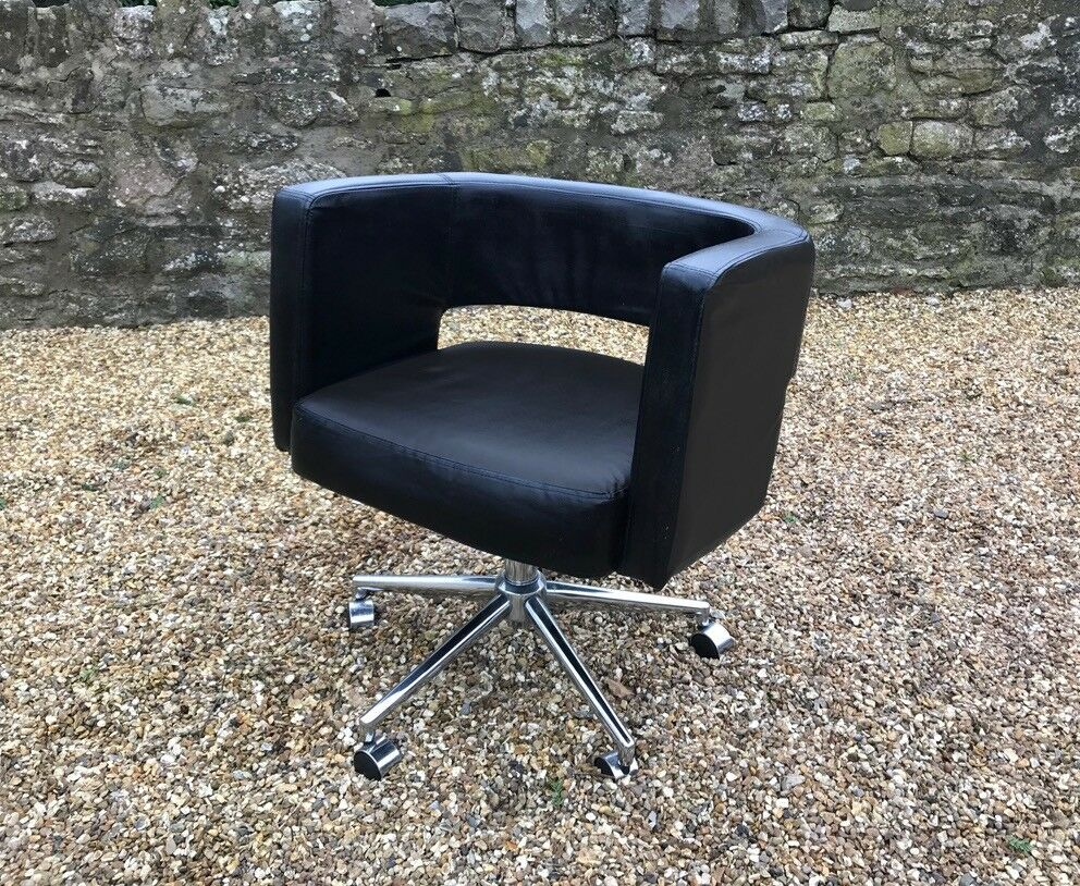 Gas lift chair, ideal for study or perhaps hairdresser etc