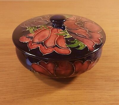 A Beautiful Moorcroft Pottery Anemone Pattern Large Lidded / Covered Bowl / Dish
