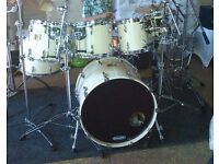 Pearl Masters Custom 7 piece shell pack in white mist with Hardcases