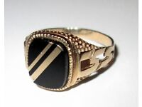 Mens gold onyx ring size T swop for Tamron lens.