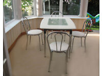IN EXCELLENT CONDITION – DINING TABLE & 4 CHAIRS (CAN DELIVER)