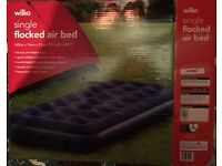 Single flocked air bed