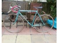 Peugeot vintage racing bike with gears. Very good condition