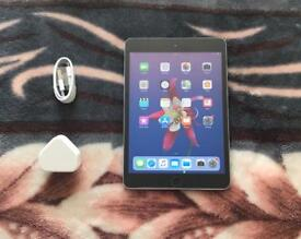 New Cond Apple iPad Mini 2 16GB, WiFi only, 7.9 inch — White and Silver, Second Generation