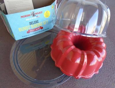 *New NORDICWARE 12 Cup BUNDT PAN & Clear Twist Lock DOMED CAKE KEEPER Storage 12-cup Bundt Pan