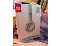 brand new silver beats solo 3 wireless headphones