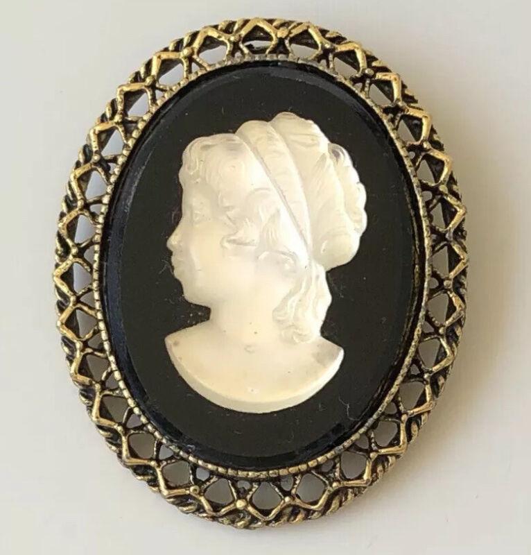 Unique  Lady cameo  Brooch pin