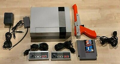 NES Action Set Bundle! Nintendo Entertainment System w/ Zapper + Mario/Duck Hunt