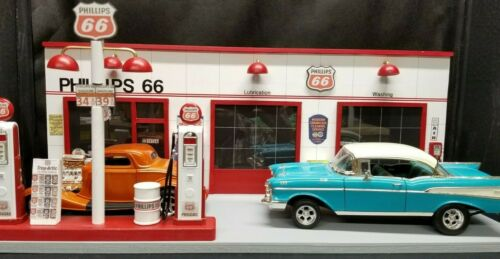 """ PHILLIPS 66 "" GAS STATION FRONT W/ 2 PUMP ISLAND, HAND CRAFTED, 1:18TH SCALE"