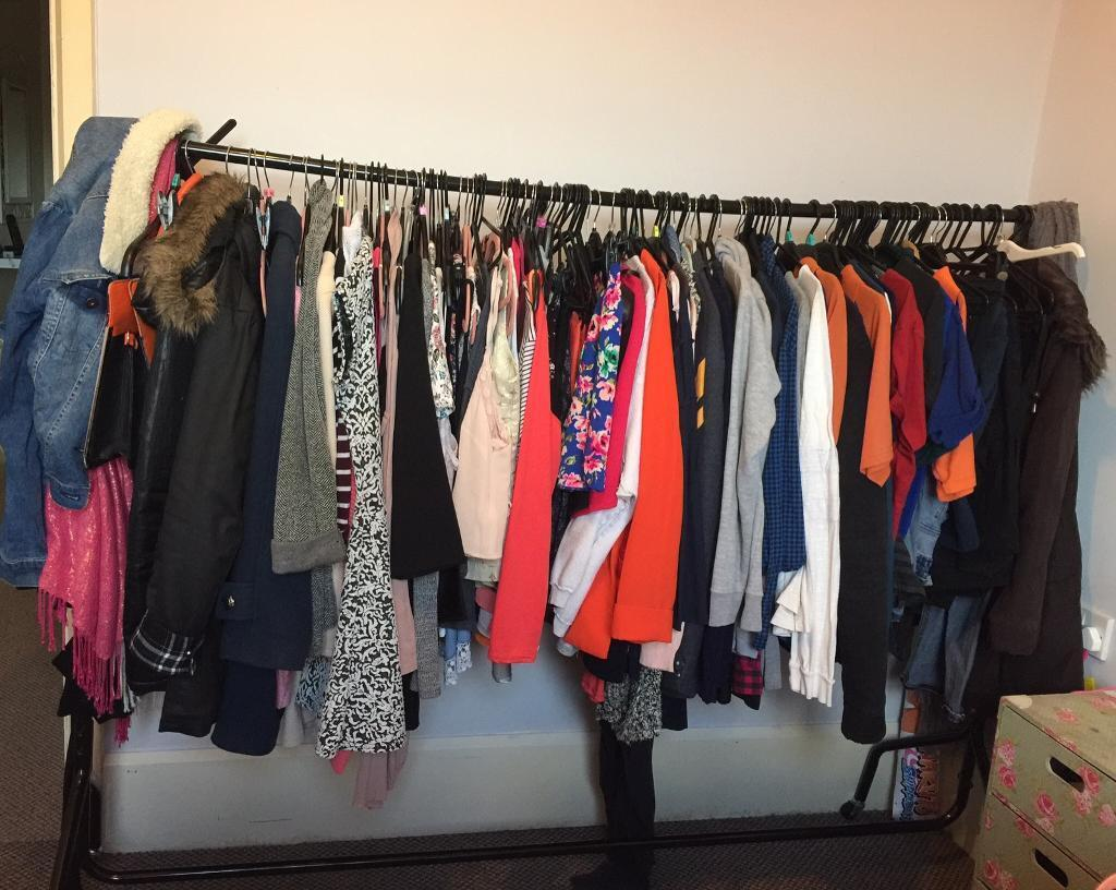 6 FT clothing rail / pole