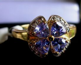 9k Yellow Gold Tanzanite & Zircon Ring